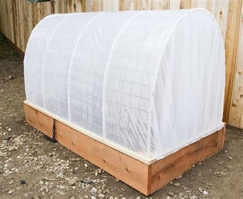 learn   create  raised garden bed cover
