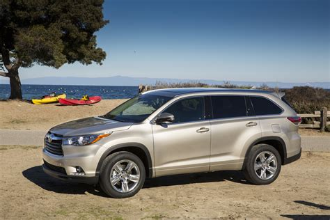 Toyota Highland In 2015 Toyota Highlander Review Ratings Specs Prices And