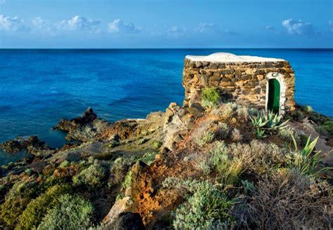 vacanza pantelleria vacanze in dammuso pantelleria