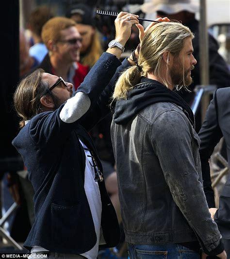 thor movie actor name chris hemsworth s hair stylist struggles to brush thor wig