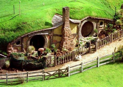 cute lord of the rings hobbit houses in new zealand interesting underground homes home design garden