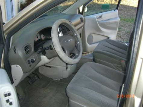 stow and go seating vehicles purchase used 2006 chrysler town counrty touring stow