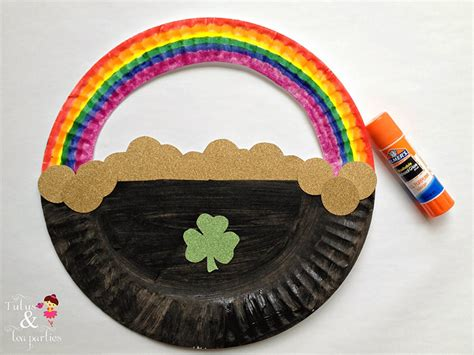 Gold Craft Paper - 8 st patricks day crafts for