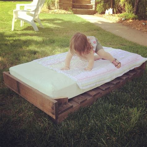 diy pallet trundle bed diy pallet trundle toddler bed babies