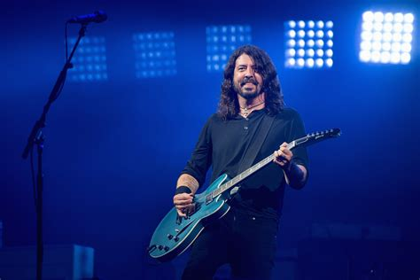 foo fighters better foo fighters open glastonbury set with florence tribute