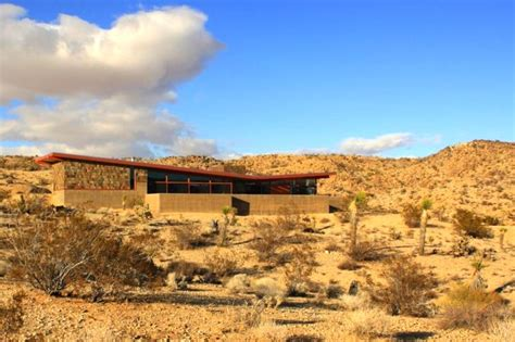 aaron d innocenzo built this green desert home by himself