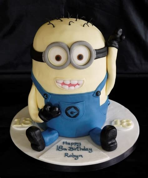 novelty cakes   centrepiece cake designs isle  wight