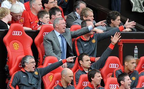 man utd bench top 10 photos man utd 2 1 chelsea united on the brink