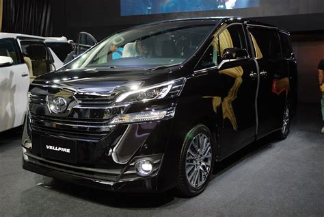Toyota Vallfire Toyota Vellfire Mpv Launched In Malaysia From Rm355k