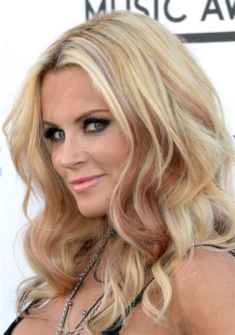 what color are jenny mccarthys eyes jenny mccarthy pink lipstick makeup lookbook stylebistro