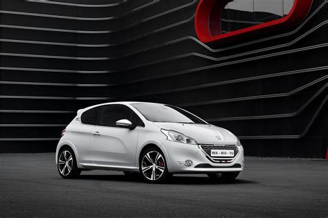 peugeot 208 gti white peugeot cars news 2013 208 gti unveiled