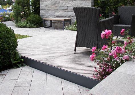 terrassendielen kombination von holz und naturstein auf