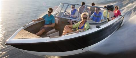 boat brands bowriders bowrider buyers guide discover boating