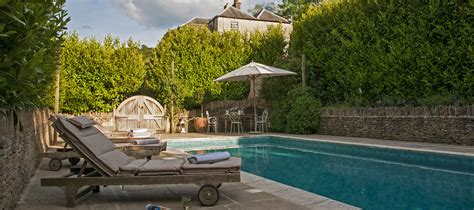cottages for rent in the cotswolds cycling retreat 5 charming cottages homes in the