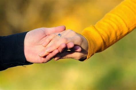 images of love hands romantic pictures of lovers holding hands picture hd