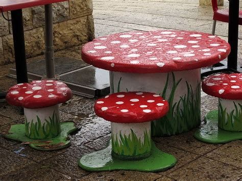 Mushroom Table And Chairs » Home Design 2017