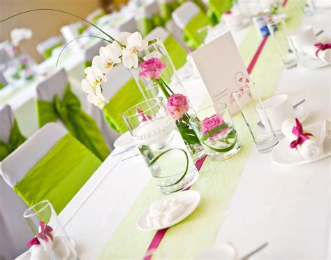 Hochzeitsdeko Blumen ideen f 252 r die tischdeko aequivalere