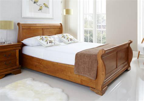 camas plegables cing louie wooden sleigh bed oak finish light wood wooden