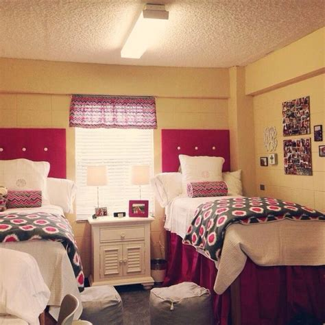 cute dorm room bedding cute preppy dorm room college life pinterest colors