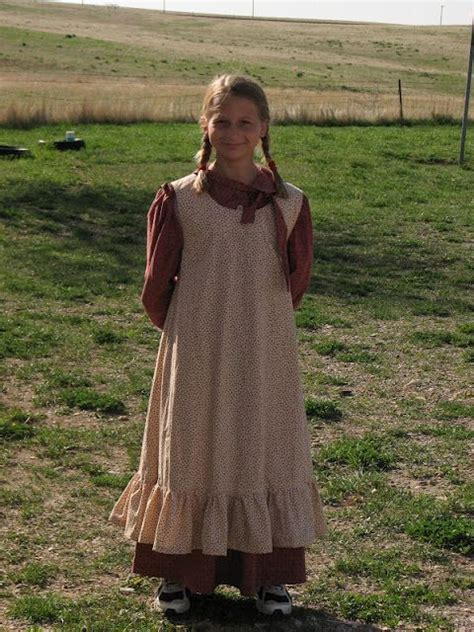 biography dress up ideas laura ingalls wilder diy to make for the kids