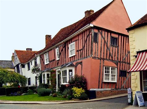 crooked houses lavenham crooked houses places