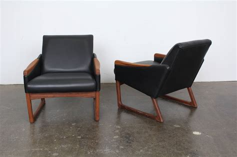 modern leather lounge chair mid century modern leather lounge chairs at 1stdibs