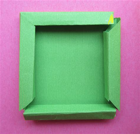 How To Make Paper Picture Frames - 27 supercool cardboard picture frames to make patterns hub