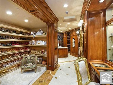 amazing walk in closets which amazing walk in closet is your favorite homes of the rich