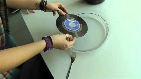 wanddeko mit schallplatten absolut vinyl schallplatten im wasserbad als deko formen