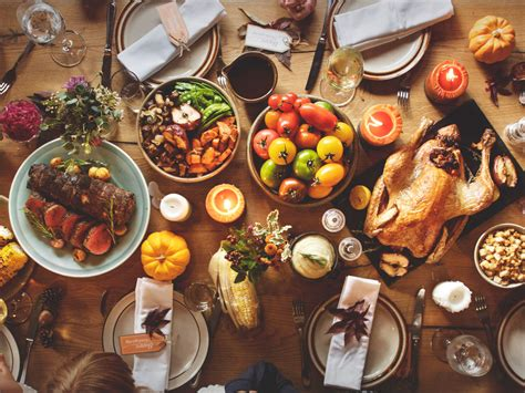 table of food thanksgiving decorating tablescapes and centerpiece tips