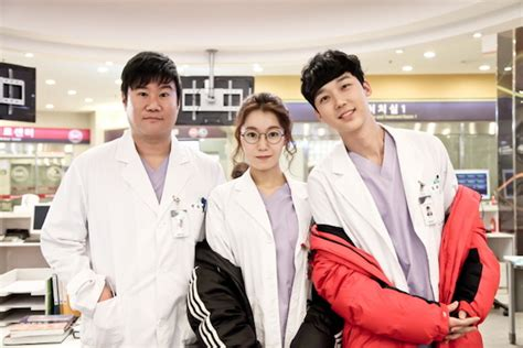 film korea emergency couple emergency couple asianwiki
