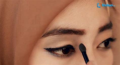 tutorial lipstik gradasi tutorial make up hijab formal eyeshadow