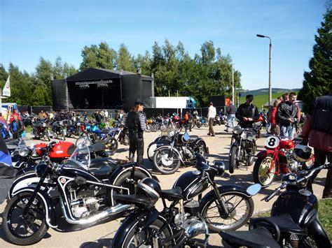 Motorrad Club Spiele by Festspiele Ohne Mc Hintergrund Bikes More