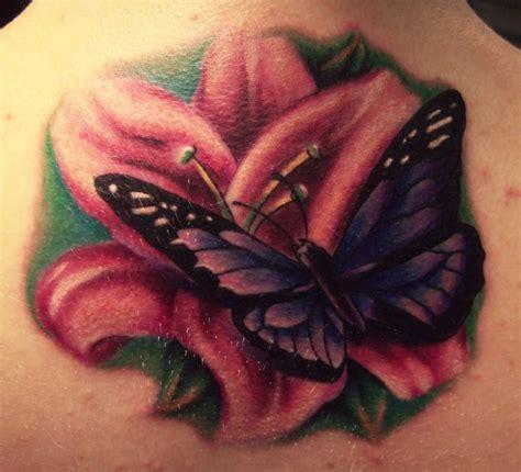 significato farfalla in casa tatuaggi farfalle e fiori per chi ama decorare il proprio