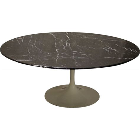 table basse knoll marbre table basse tulipe marbre noir de eero saarinen pour