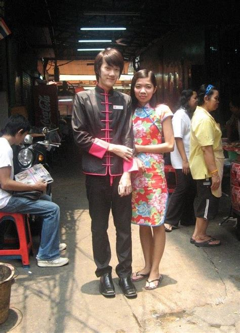 guns hookers  durian bangkok chinatown thingsasian