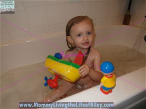 caillou bathroom review caillou doll and bath time vehicle bring the magic of caillou home to your
