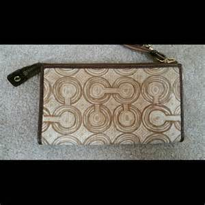 Mw23 Pattern Design Wallet Brown 61 coach clutches wallets coach brown pattern zippy wallet from christie s closet on