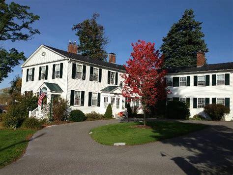 swift house inn well kept gardens and inn