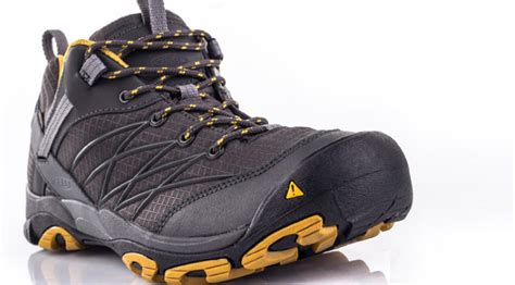 what kind of boots does agent keen wear on blacklist best clothes to wear hiking ultimate all season guide