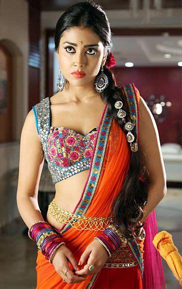 heroine bold pics shriya sarans bold act in pavitra tollywood fashion