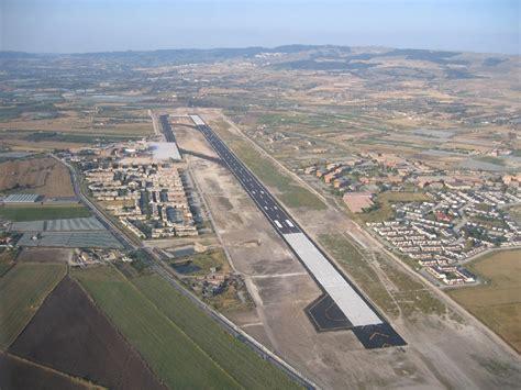 nuova comiso aeroporto di comiso ed expo 2015 quot implementare voli per il
