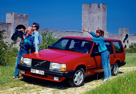 volvo sweden sweden 1988 volvo 700 leads vw golf 2 in record market