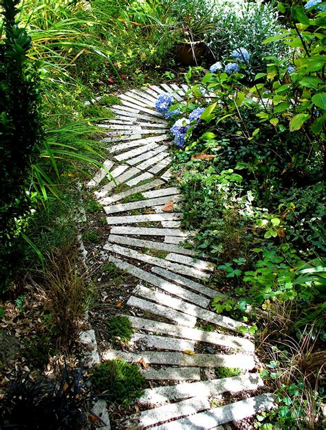Garden Paths Ideas Alt Build The Garden Path