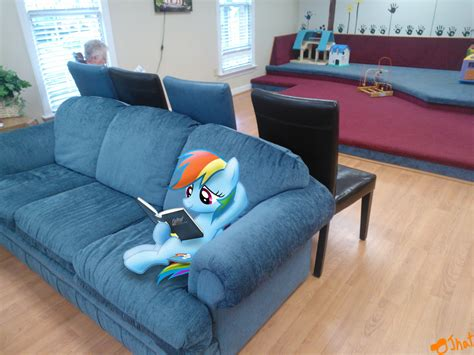 rainbow dash room in da waiting room rainbow dash photo 32920634 fanpop
