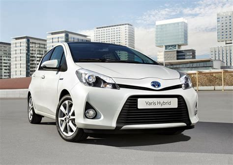 toyota cars and 2013 toyota yaris hybrid cars specs