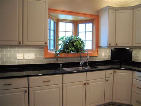 Backsplash In Kitchens The Best Backsplash Ideas For Black Granite Countertops Home And Cabinet Reviews