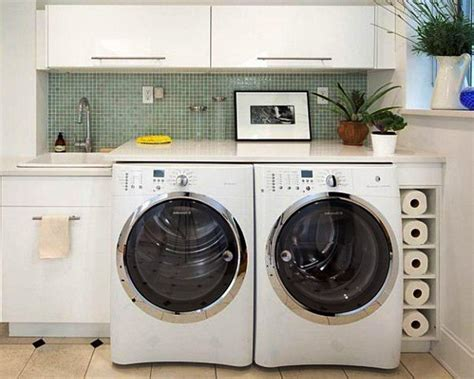small laundry room decor deciding appropriate laundry room decor midcityeast