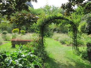 file le jardin aux iris du jardin des plantes jpg