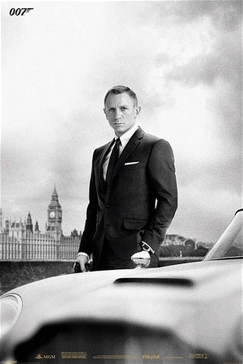 Daniel Craigs 007 Already A Record Breaker by Skyfall 007 Bond Daniel Craig Filmplakate